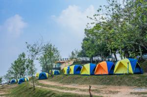 many tents include a rainfly setup